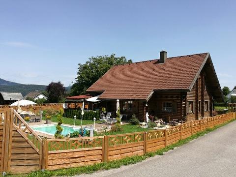 Houten huis Velden